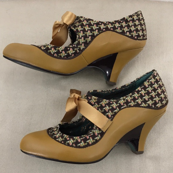 Poetic Licence Halston Burgundy Womens Closed Toe Heels